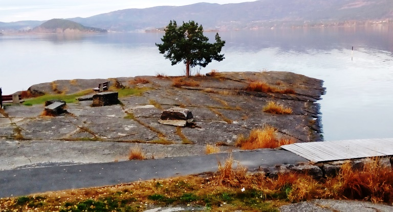 Nórska príroda je úžasná, všade, nielen na tejto fotke, zhotovenej kúsok za Oslom